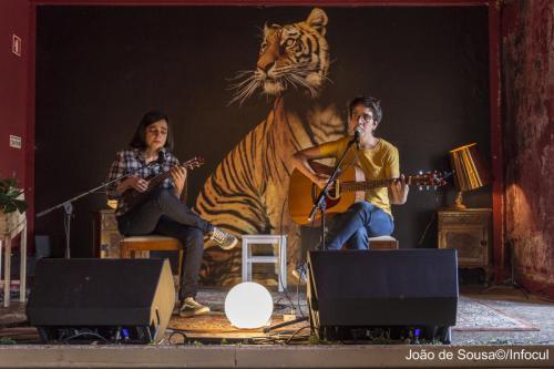 GuitarrasaoAlto-8200