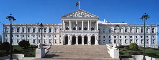 Manifestação de forças de segurança na Assembleia da República
