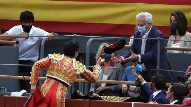 Vargas Llosa: Nobel da Literatura apoia a tauromaquia