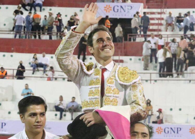 Monterrey: José Mauricio corta duas orelhas