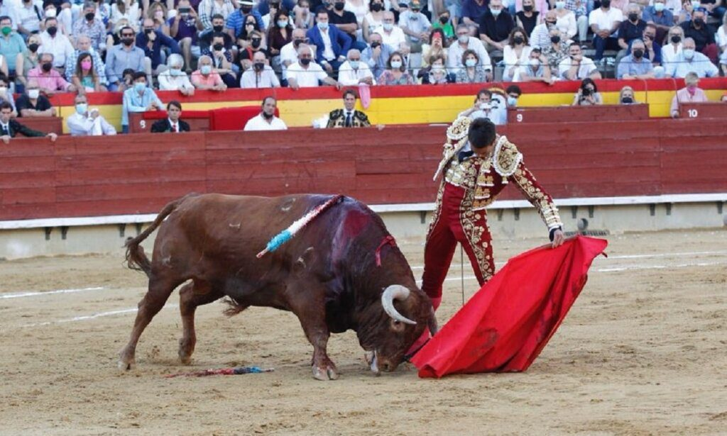 Castellón: Manzanares ganha mano-a-mano com Roca Rey