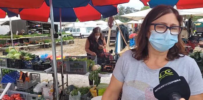 Coimbra: Mulher apanhada a roubar cenouras durante uma reportagem