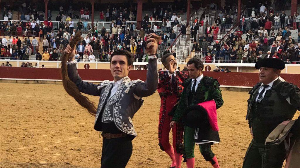 Bayona: Guillermo Hermoso de Mendoza com grande triunfo