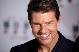Tom Cruise deixou cair dois dentes em encontro com jornalista