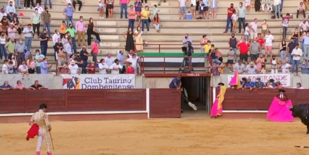 Juanito indulta touro em Don Benito