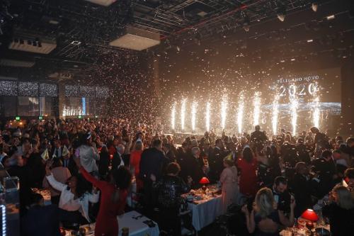 0385 - Celebração da Meia-Noite