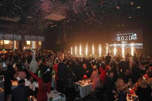 0386 - Celebração da Meia-Noite